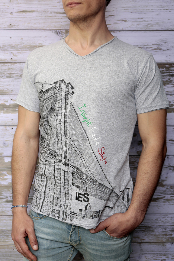 Tshirt mens fashion   graphic brooklyn   ies insight eagle style   made in italy   natural cotton   front with model