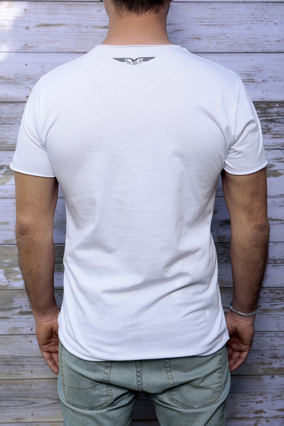 Tshirt mens fashion   graphic usa eagle   ies insight eagle style   made in italy   natural cotton   rear with model