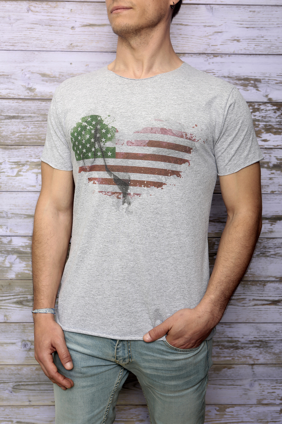 Tshirt mens fashion   graphic usa heart   ies insight eagle style   made in italy   natural cotton   front with model
